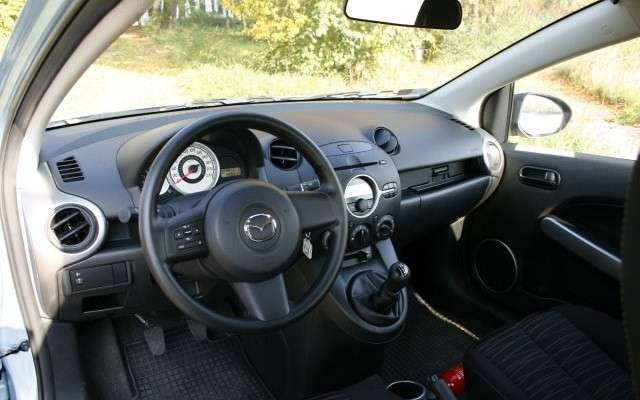 Mazda 2 1.4 MZ-CD 68KM Exclusive 3d - test