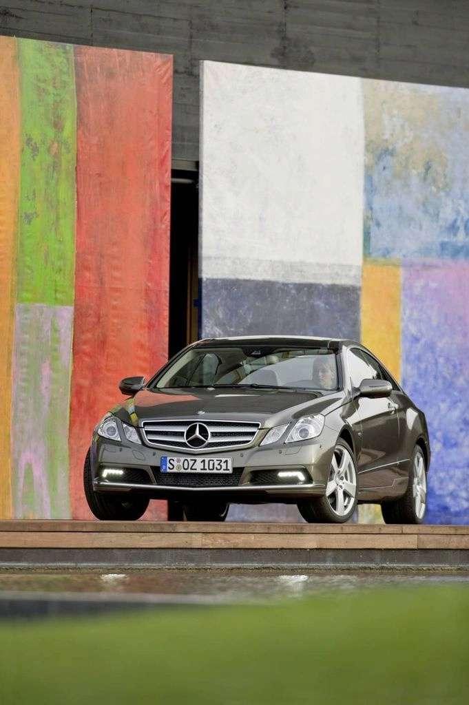 Mercedes E Coupe przed genewską premierą