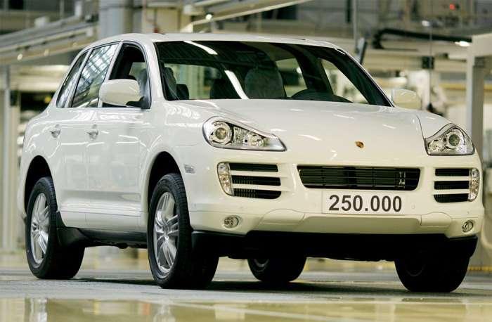 250 000 Porsche Cayenne