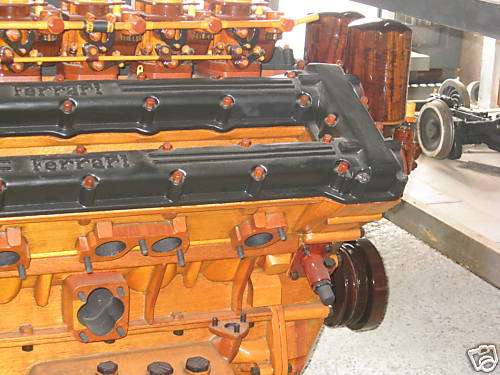 Silnik Ferrari wykonany z drewna