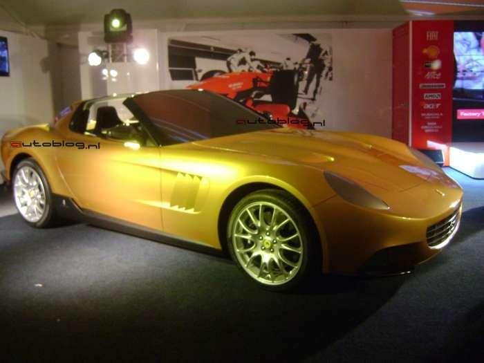 Zlote Ferrari
