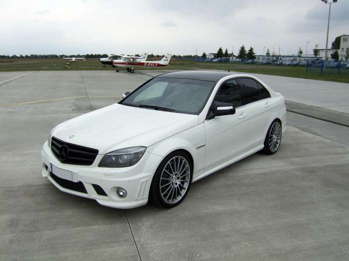 Mercedes C63 AMG by AVUS