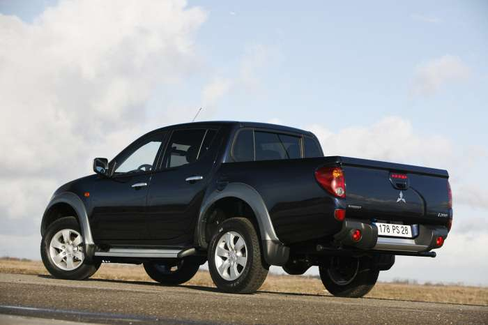 Mitsubishi L200 Long Bed