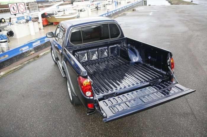 Mitsubishi L200 Long Bed