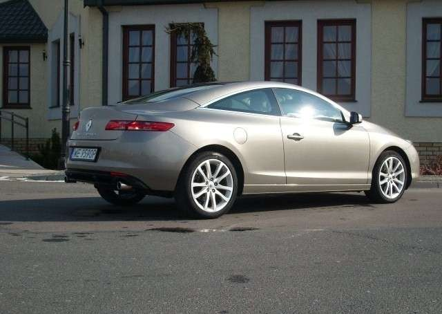renault laguna coupe 3 5 v6 240km test. Black Bedroom Furniture Sets. Home Design Ideas