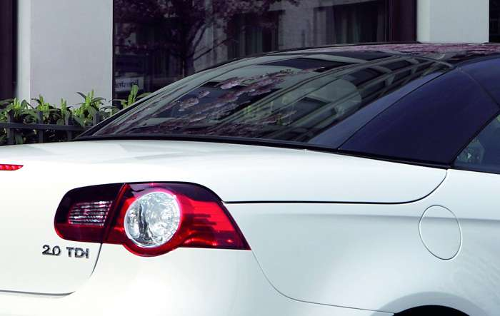 Volkswagen Eos White Night