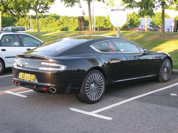 Aston Martin Rapide bez kamuflazu