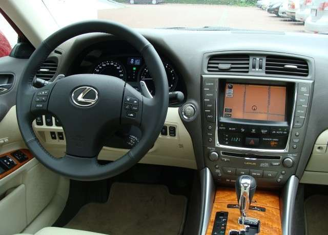 Lexus IS 250 2.5 V6 208KM Prestige 2009