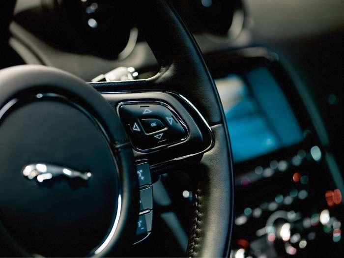 Jaguar XJ Prezentacja