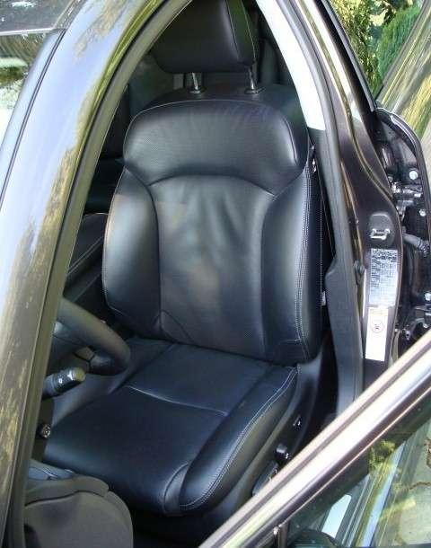 Test Lexus IS 220d vs BMW 320xD 2009