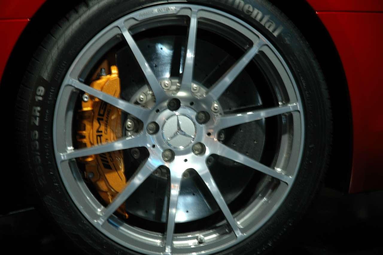 Mercedes SLS AMG Frankfurt 2009 live