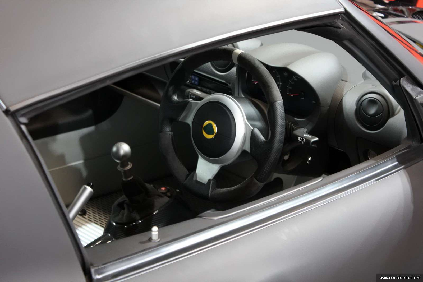 Tokio 2009: Lotus Exige Scura Stealth