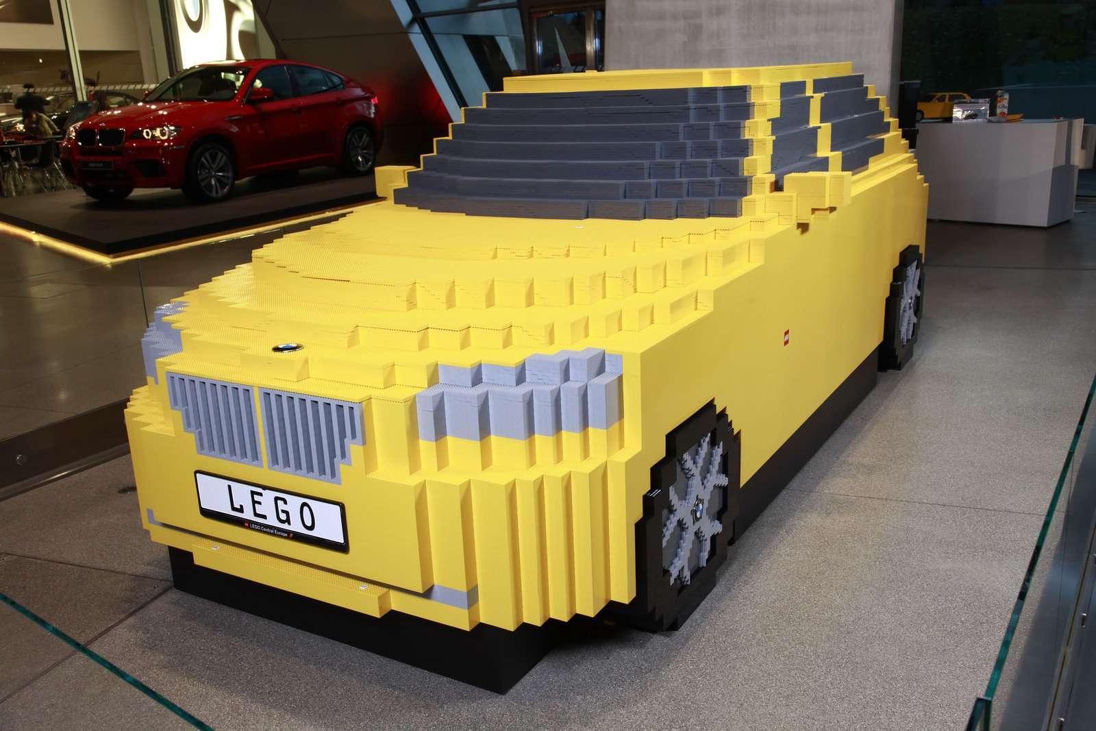 BMW X1 wykonany z LEGO 2009