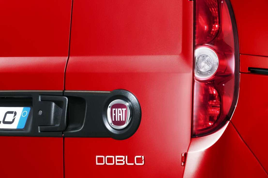 Fiat Doblo 2009 fot facelift