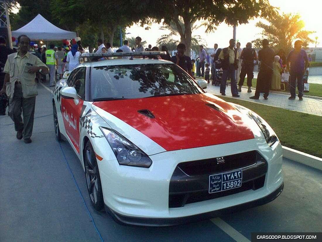 Policyjny Nissan GT-R Abu Zabi 2009