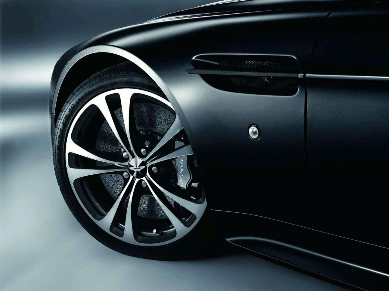 Aston Martin DBS i V12 Vantage Carbon Black