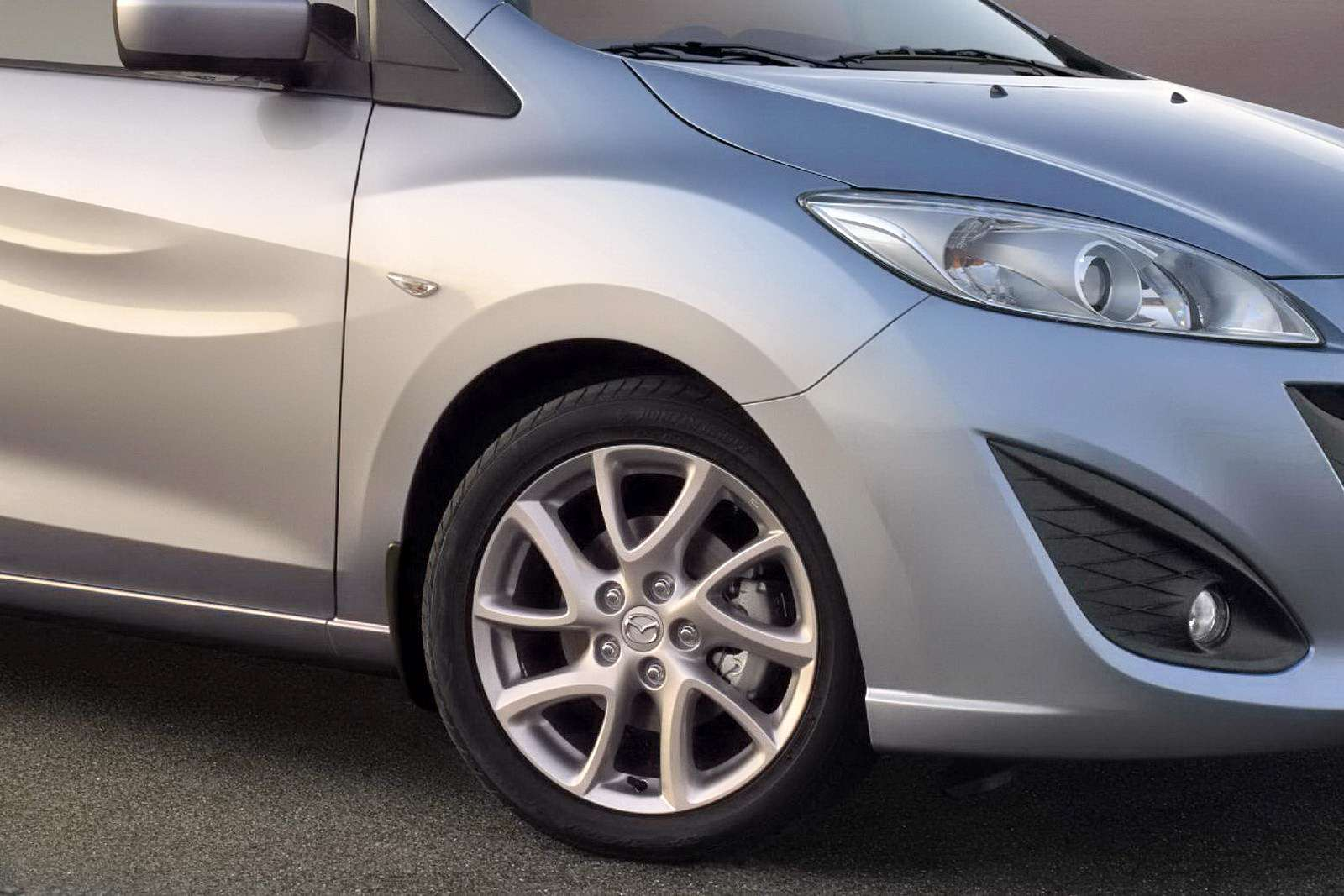 Nowa Mazda5 2010 fot