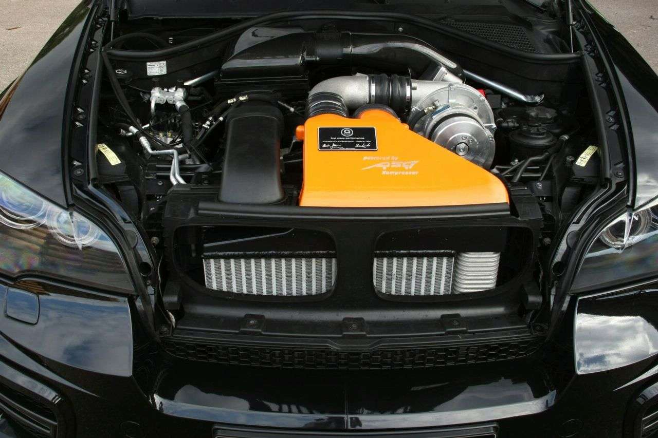 BMW X5 Typhoon Black Pearl od G-Power 2010