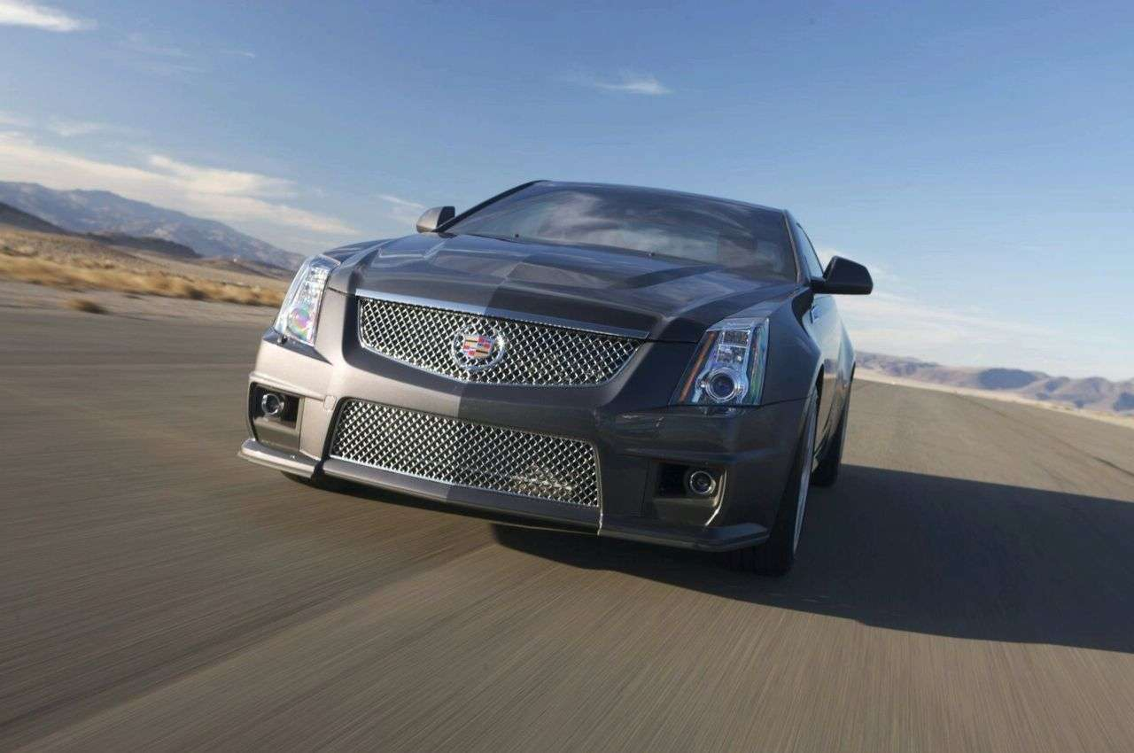 Cadillac CTS-V Coupe 2010 fot 2010