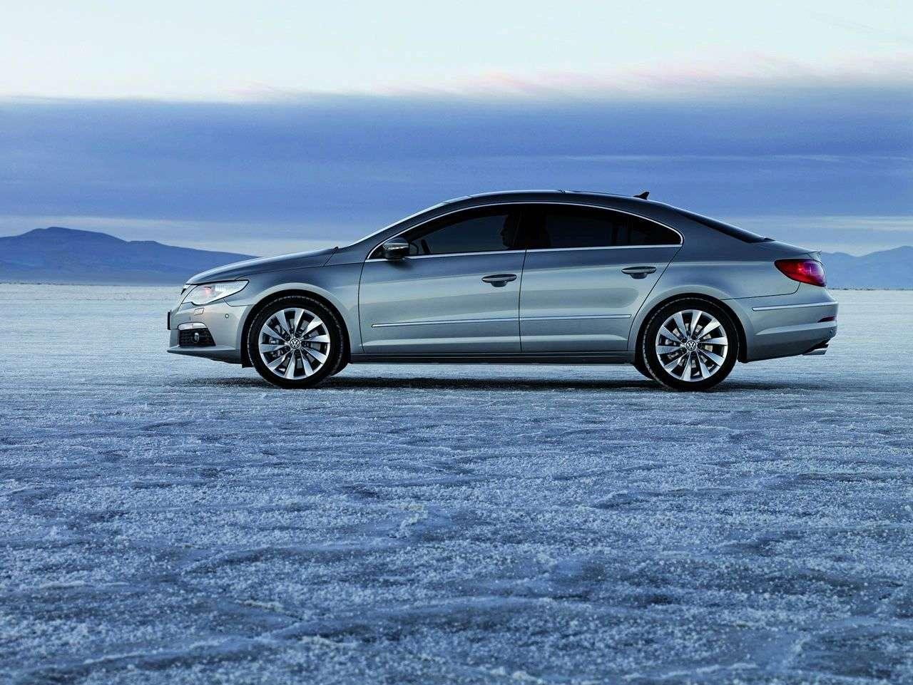 VW Passat CC fot 2010