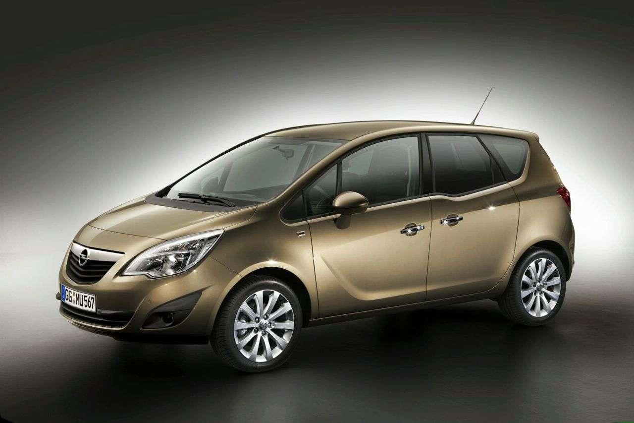 Opel Meriva new photo srodek 2010