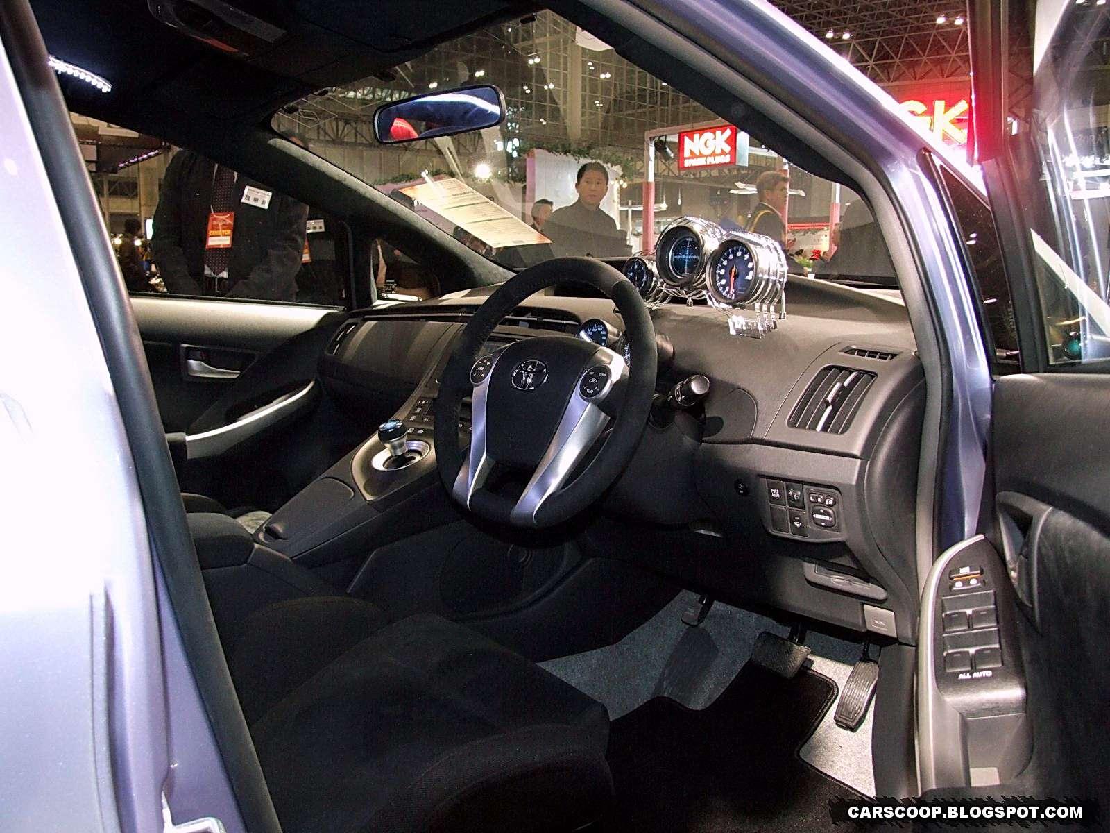 Toyota Prius Custom Plus Concept Tokio 2010