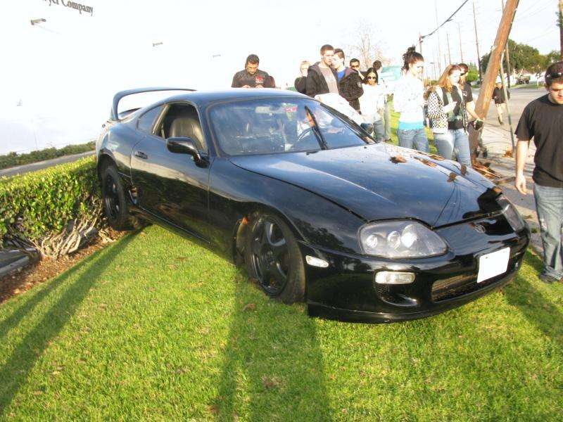 Toyota Supra IV crash 2010