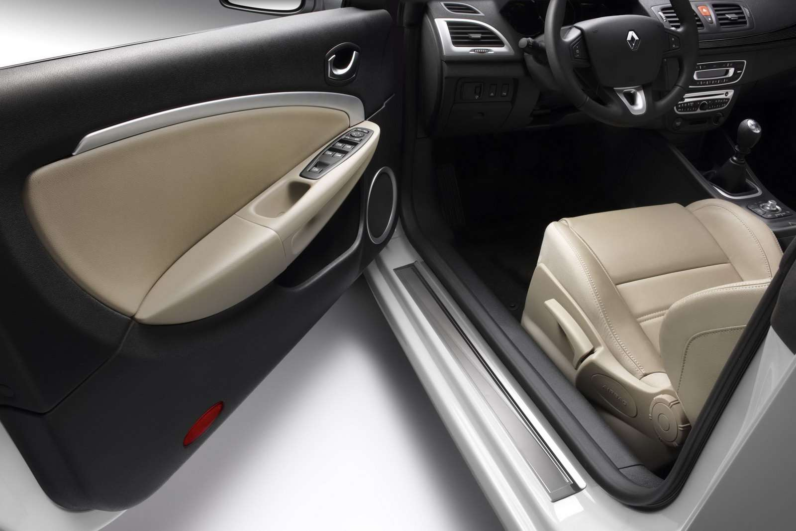 Renault Megane CC 2010 fot