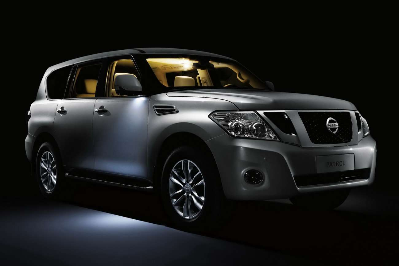 2011 Nissan Patrol oficciall fot 2010