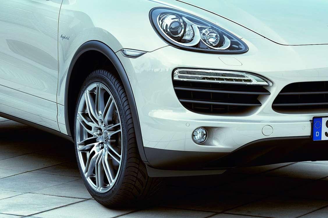 Porsche Cayenne first oficcial 2010