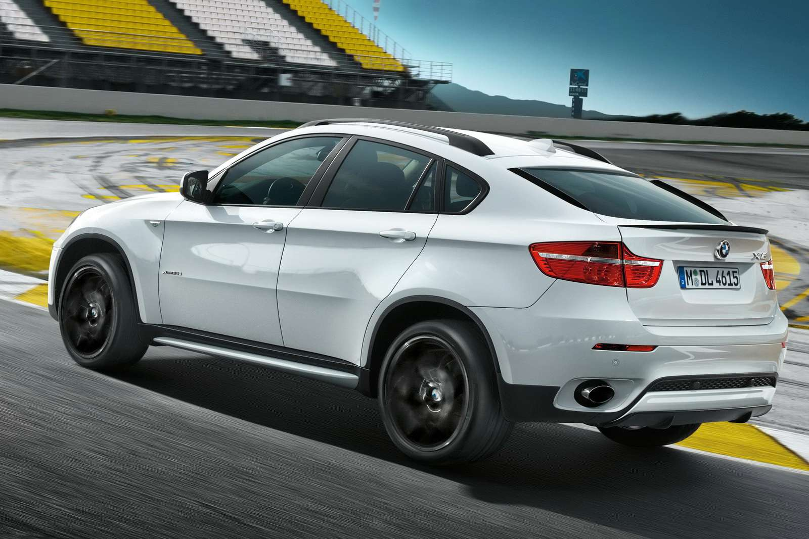 BMW X6 Performance luty 2010