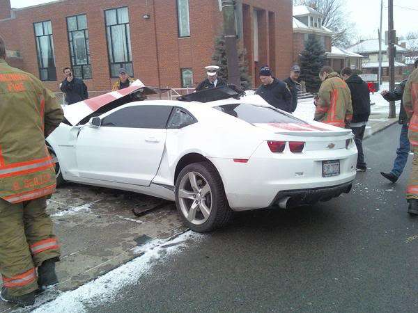 Chevrolet Camaro crash na 2 pol 2010
