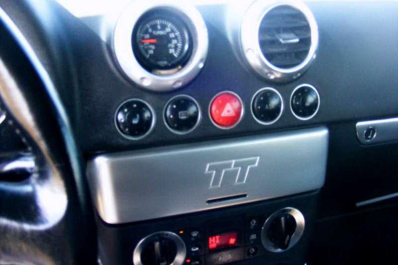 Audi TT Coupe Logo VW luty 2010