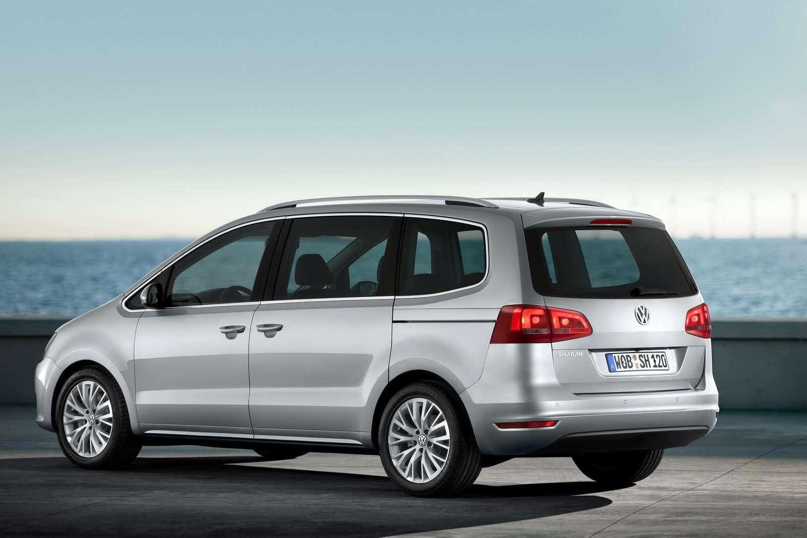 VW Sharan 2011 first oficcial photo 2010