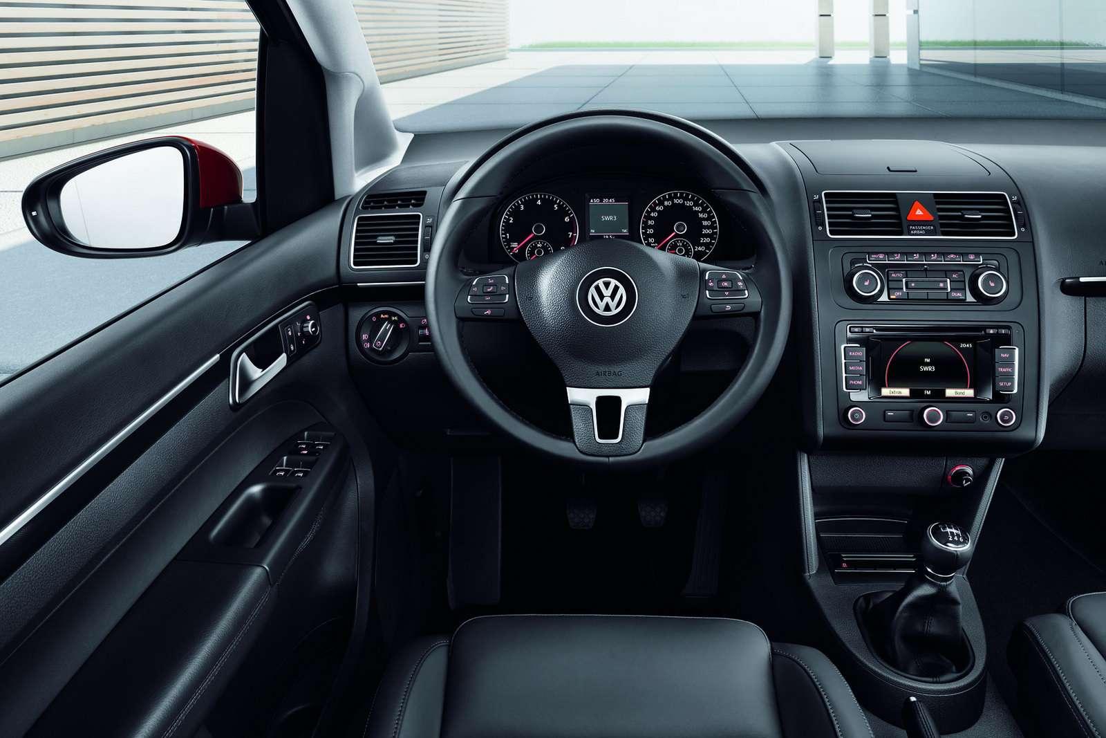 Volkswagen Touran po facelifcie kwiecien 2010