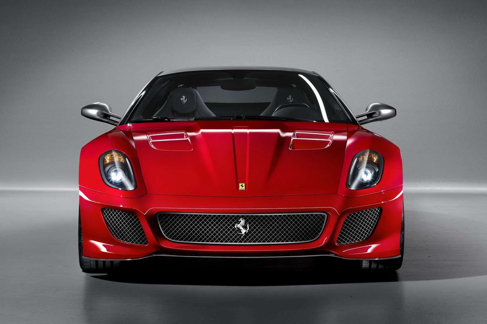 Ferrari Enzo zdegradowane przez 599 GTO 2010