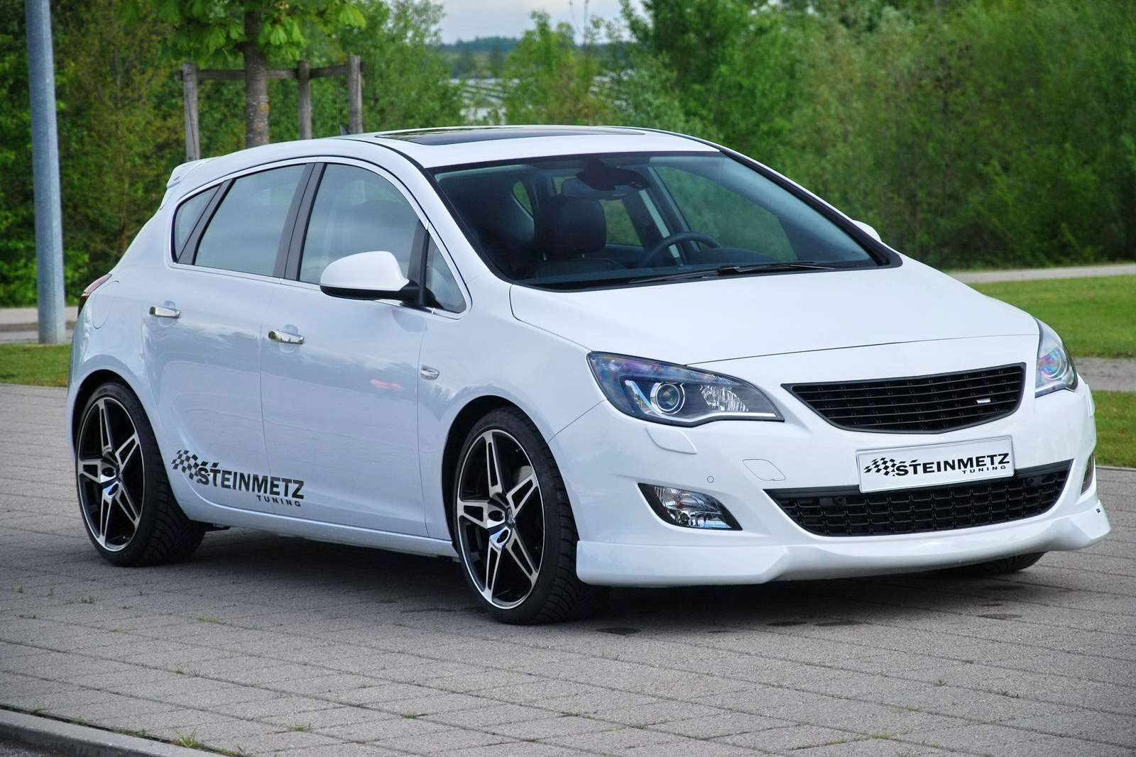Opel Astra 2010 Steinmetz maj 2010
