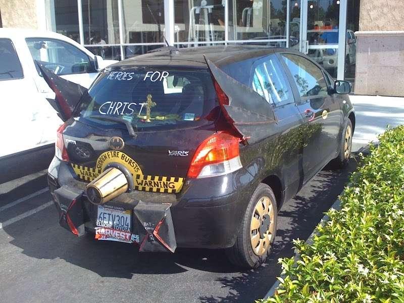 Toyota Yaris batmobil czerwiec 2010
