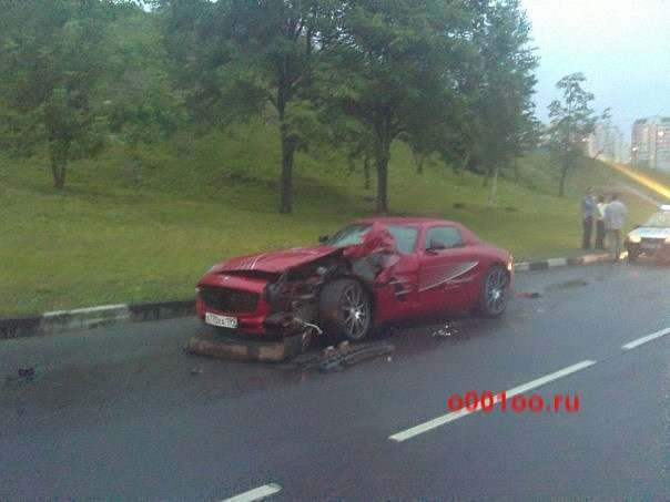 Mercedes SLS AMG crash russia czerwiec 2010