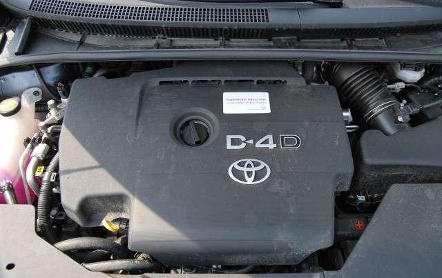 Toyota Avensis vs Volvo V70 test czerwiec 2010