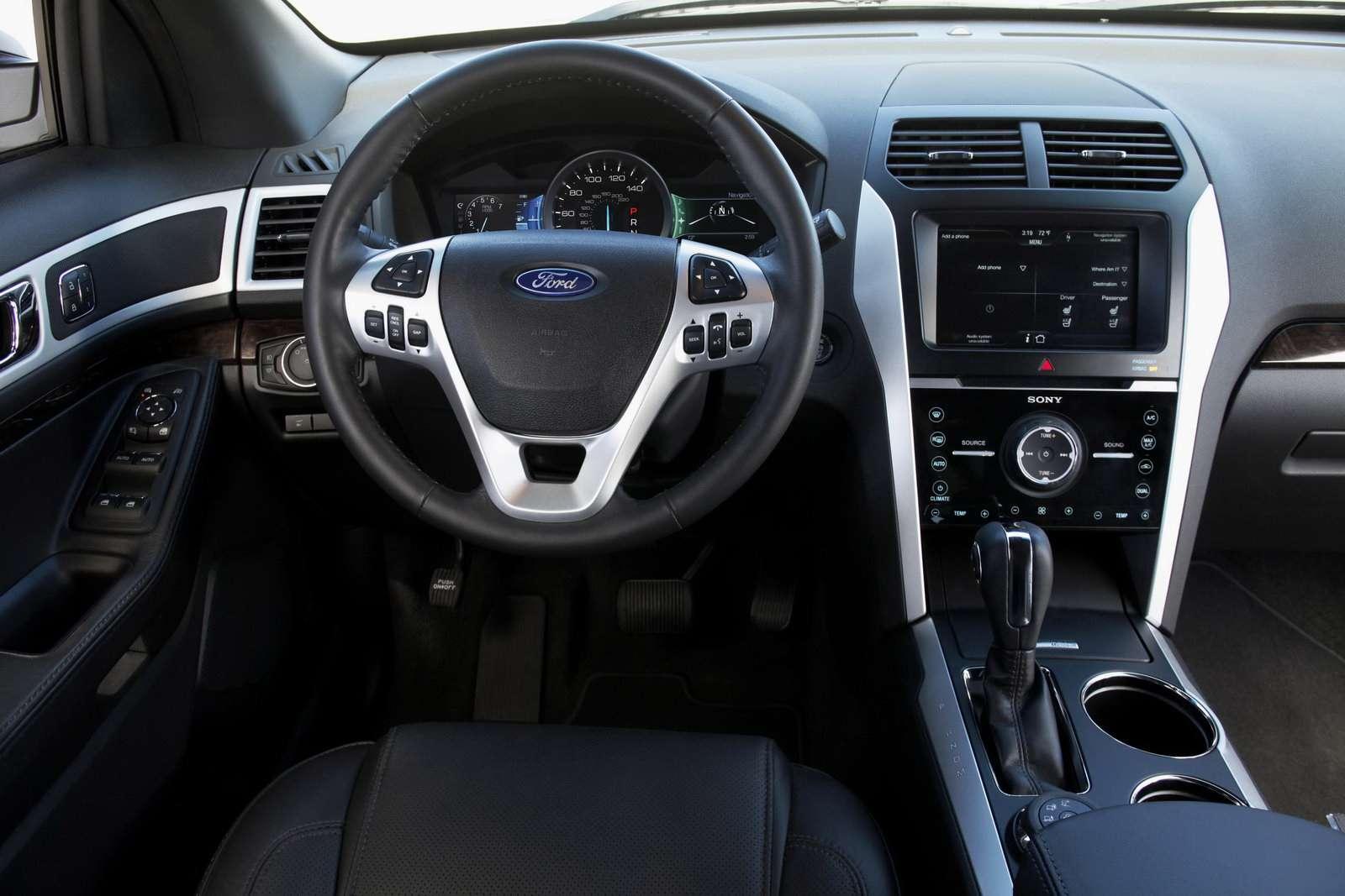 2011 Ford Explorer lipiec 2010