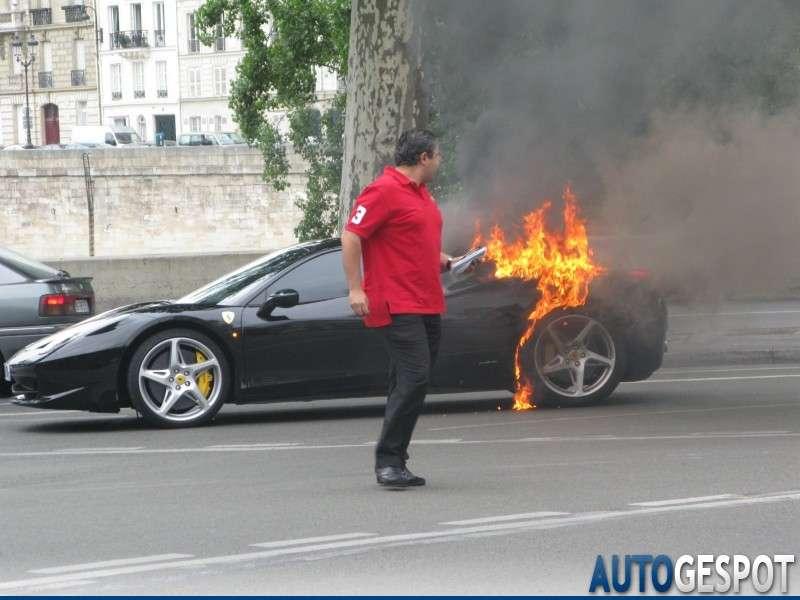Ferrari 458 italia pozar lipiec 2010