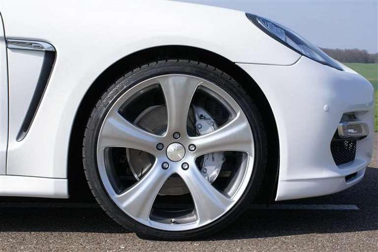 Hofele Porsche Panamera Carscoop lipiec 2010