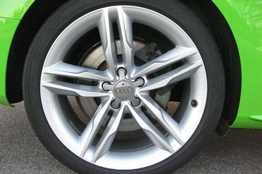 Audi S5 Porsche Green Lime Carscoop lipiec 2010