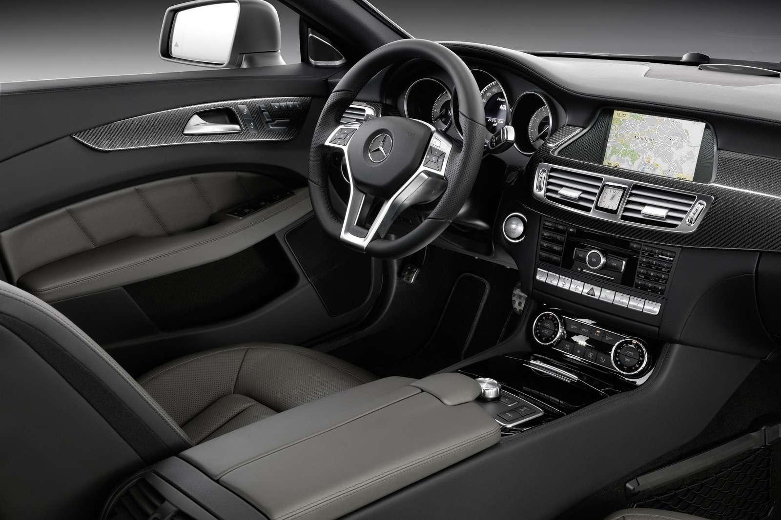 Mercedes CLS 50 zdjec sierpien 2010