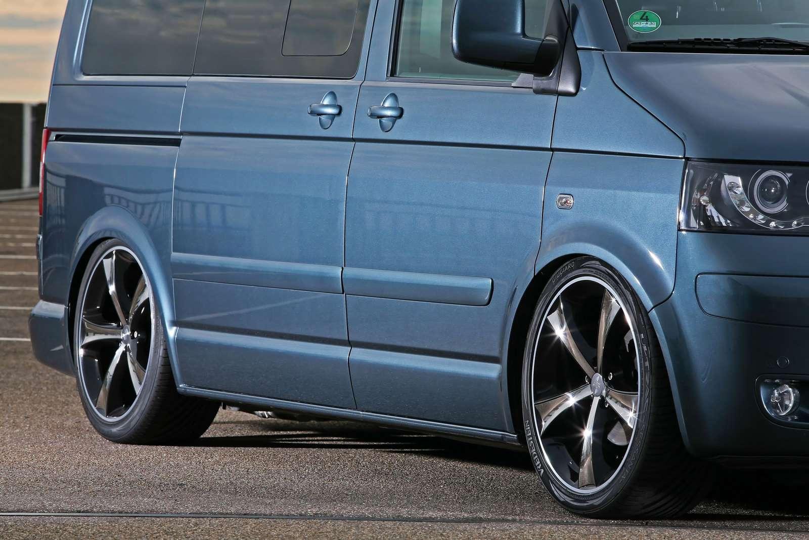Volkswagen Transporter MR Car Design sierpien 2010