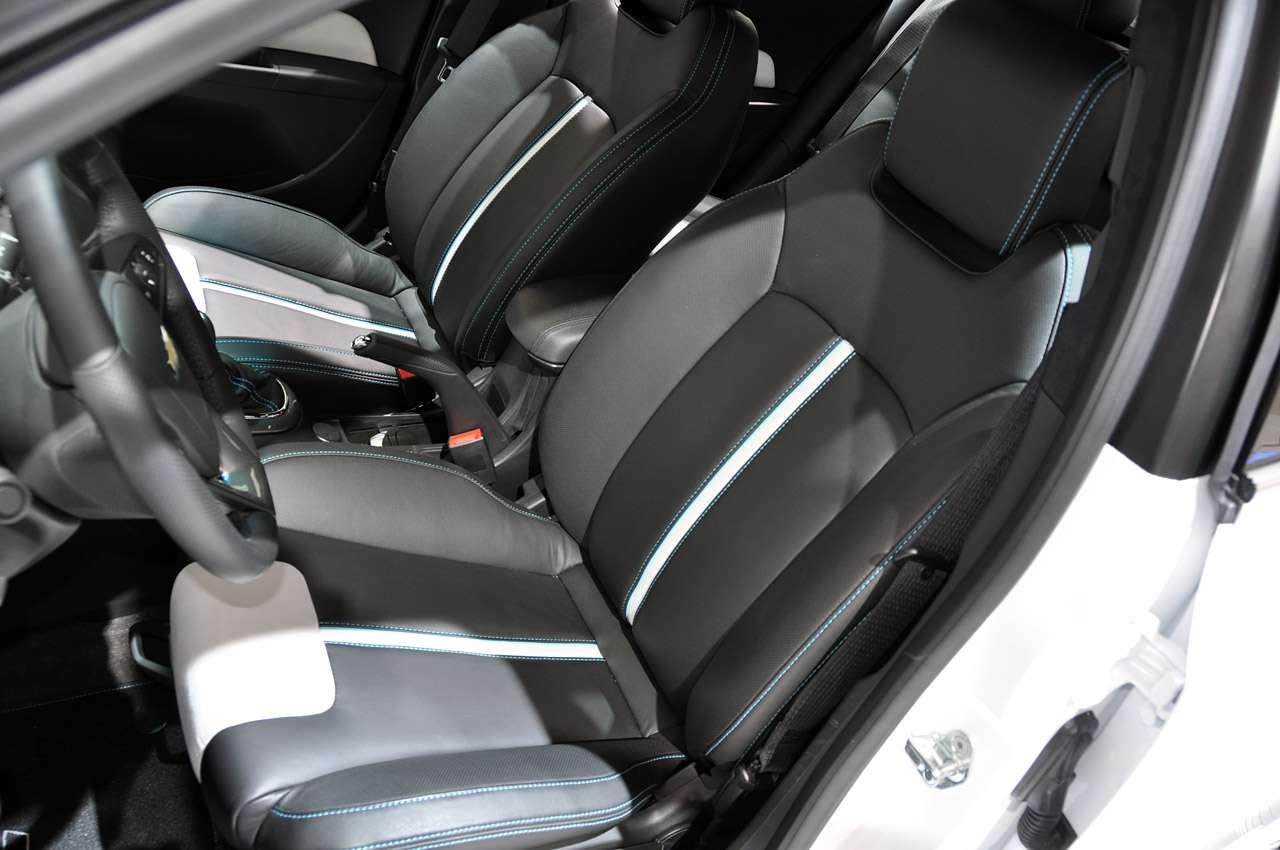 Chevrolet Cruze paryz 2010 pazdziernik 2010