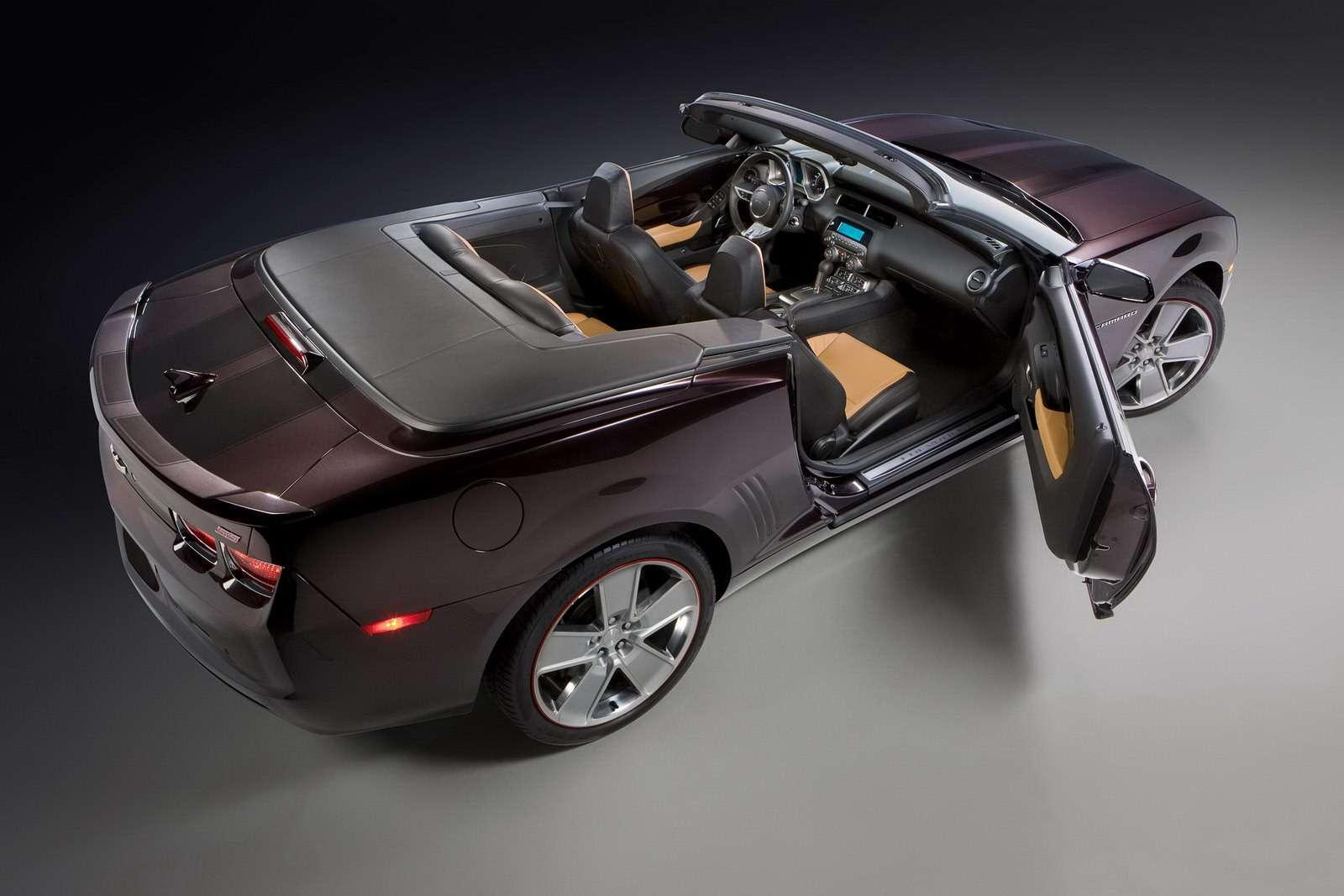 Chevrolet Camaro SS w wersji Cabrio Neiman Marcus pazdziernik 2010