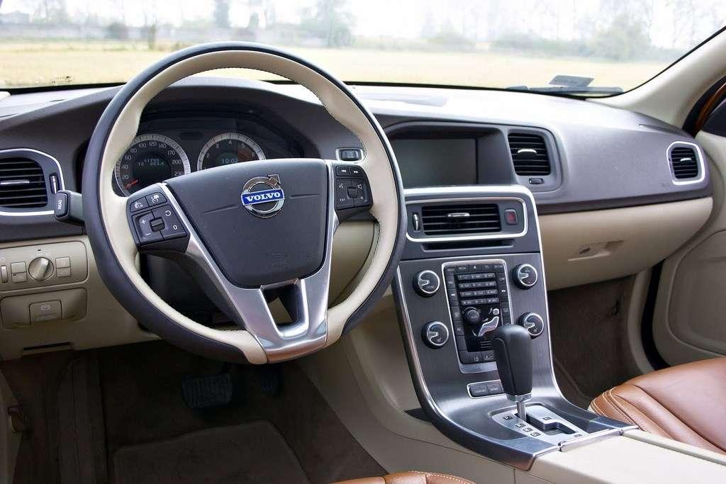 Volvo S60 T6 test pazdziernik 2010