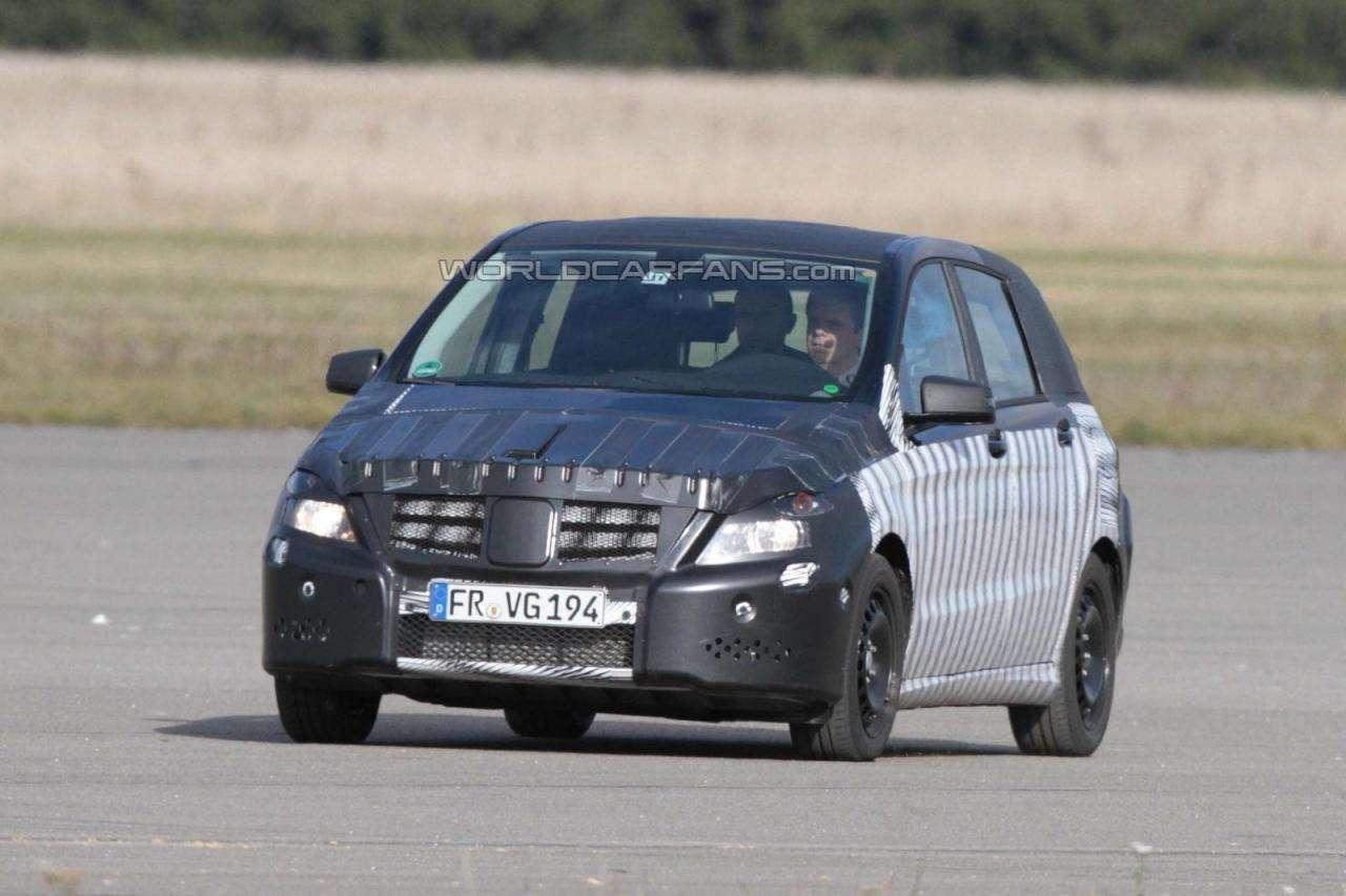 2012 Mercedes Klasy B kamuflaz pazdziernik 2010